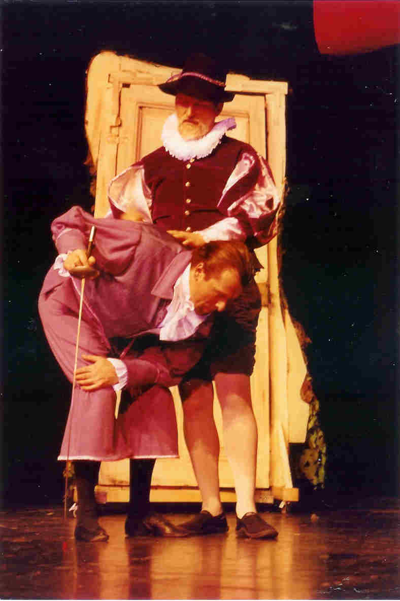 https://www.nwtc.lu/media/Show_Archives/1995_merry_wives_of_windsor/mwow95_photos/mwow95_photo_2.jpg