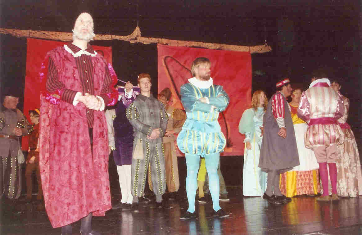 https://www.nwtc.lu/media/Show_Archives/1995_merry_wives_of_windsor/mwow95_photos/mwow95_photo_3.jpg