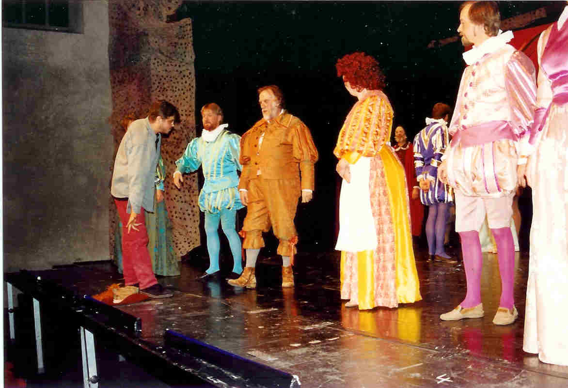 https://www.nwtc.lu/media/Show_Archives/1995_merry_wives_of_windsor/mwow95_photos/mwow95_photo_4.jpg