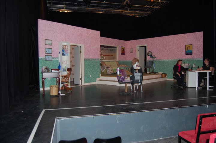 https://www.nwtc.lu/media/Show_Archives/2007 Steel Magnolias/Photos/DSC_0007.JPG